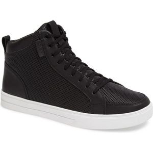 Russell 07 Leather High-Top Sneakers